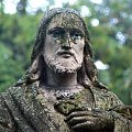Chrystus z twarzą spękaną #cmentarz #przemyśl #chrystus #jezus #figura #twarz