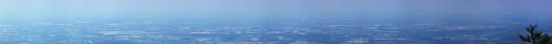 panorama tak od Katowic po wzgórza Płazy. Widać EL 3, KWK Czeczot, KWK Piast, Zakł. Chem. Oświęcim