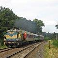 30.07.2008 (Dąbroszyn ) SU42-523 z pociągiem szkolnym rel.Gorzów Wlkp - Kostrzyn opuszcza Dąbroszyn z wzmocnionym składzie o 2 wagony 1 klasy. #Kostrzyn #PKP #osobowy #Woodtock #SU42