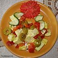 Ser biały w oliwie z oliwkami i marynowaną papryką .Przepisy na : http://www.kulinaria.foody.pl/ , http://www.kuron.com.pl/ i http://kulinaria.uwrocie.info #SerBiały #PaprykaMarynowana #oliwki #oliwa #przekąski #śniadanie #kolacja #kulinaria