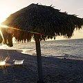 Na kubańskiej plaży #Kuba #parasol #plaża #Varadero