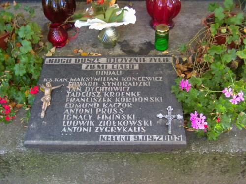 Kłecko cmentarz tablica poległych
