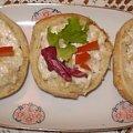 Bułeczki zapiekane z serkiem. #bułki #zapiekanki #przekąski #grzanki #śniadanie #kolacja #kulinaria #jedzenie #gotowanie